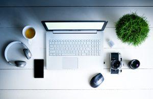 Office desk motivation - image