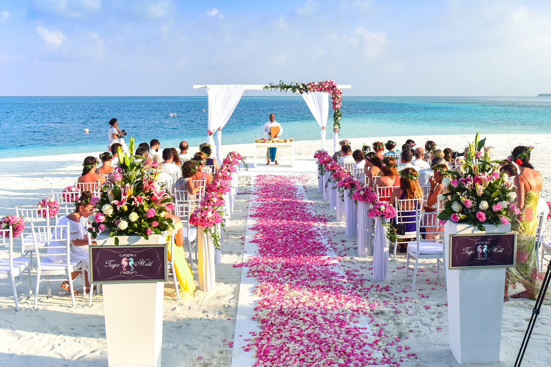 Wedding Transportation Tips & More To Tie The Knot In Style